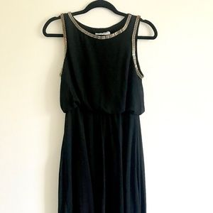 Black flowy dress with gold details (M)